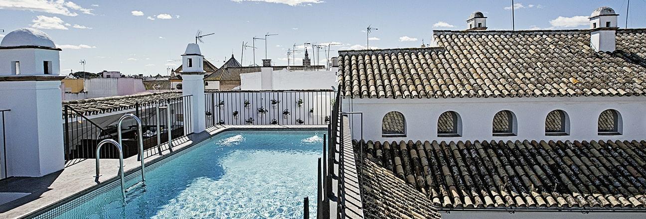 Terraza piscina Sevilla